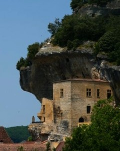 house built in cliff