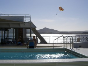 pool, parasailor