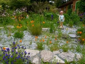 garden with statue