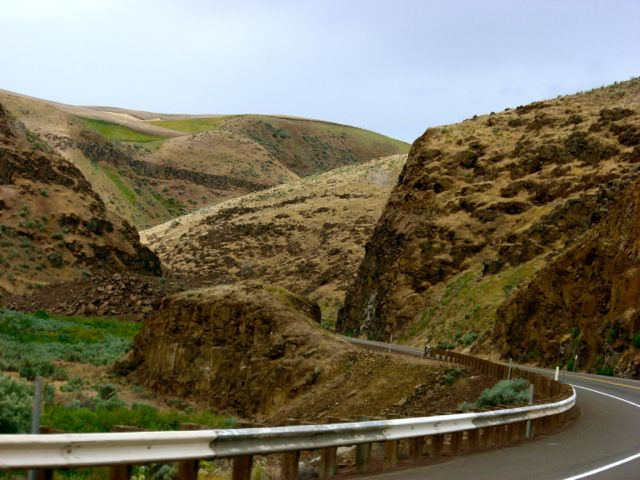 road, coulee